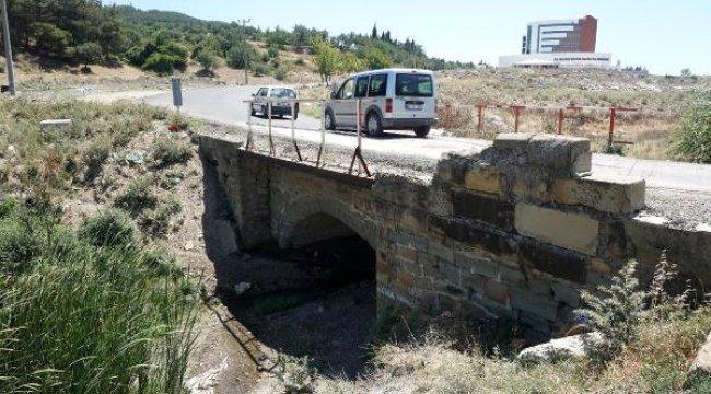 Keşan'da Yapımı Süren Hastane Yolundaki Köprü 'Tarihi Eser' Çıktı