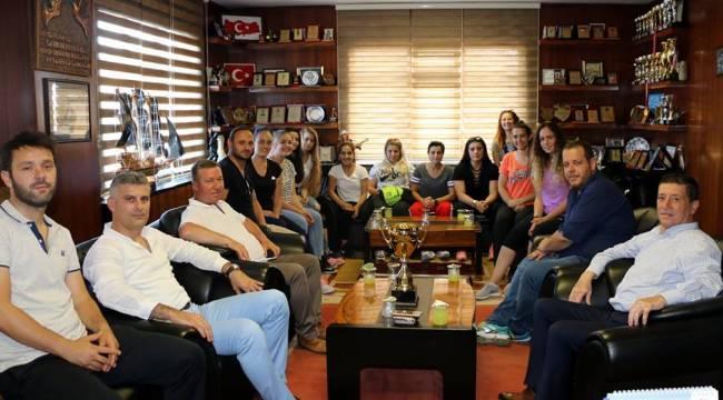 Marmaraereğlisi Belediyespor Bayan Hentbol Takımı 2. Lige Yükseldi