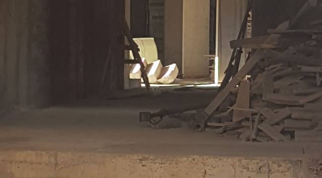 Yeni Binanın Merdiveni Çöktü 1 İşçi Yaralandı