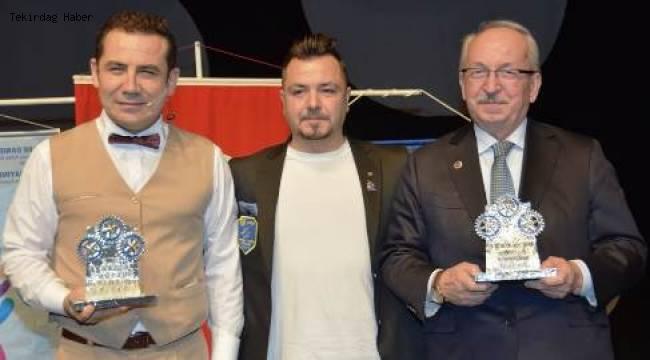 Başkan Albayrak'a Üstün Hizmet Ödülü Verildi