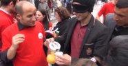 Edirne'de Vatandaşlar Bir Dakikalığına Engelli Oldu