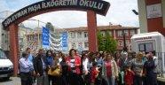 Tarihi Okulun Taşınmasının Planlanması Protesto Edildi