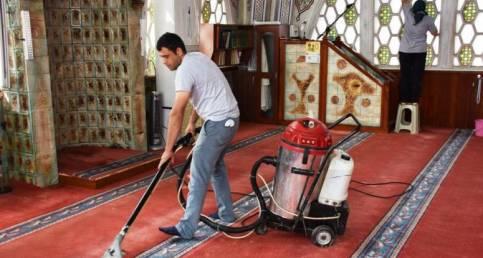 Süleymanpaşa Belediyesi 44 Camide Temizlik Yapıyor